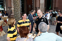 Photo: Richard Lane/Richard Lane Photography. London Wasps in Abu Dhabi for their LV= Cup game against Harlequins on 30th January 2011. 30/01/2011. Lawrence Dallaglio with Wasps supporters drinks at the Emirates Palace Hotel.