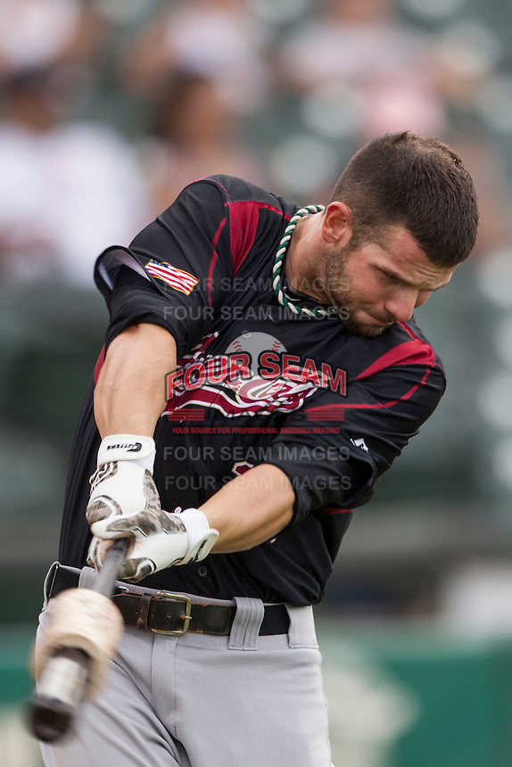 Sacramento River Cats shortstop Andy Parrino (16) warms up before the Pacific Coast League baseball game against the Round Rock Express on June 19, 2014 at the Dell Diamond in Round Rock, Texas. The Express defeated the River Cats 7-1. (Andrew Woolley/Four Seam Images)
