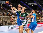 Kresimir Kozina (FRISCH AUF! Goeppingen #44) ; li:Adam Loenn (TVB Stuttgart #11) ; re: Jerome Mueller (TVB Stuttgart #27) ;  BGV Handball Cup 2020 Finaltag: TVB Stuttgart vs. FRISCH AUF Goeppingen am 13.09.2020 in Stuttgart (PORSCHE Arena), Baden-Wuerttemberg, Deutschland<br /> <br /> Foto © PIX-Sportfotos *** Foto ist honorarpflichtig! *** Auf Anfrage in hoeherer Qualitaet/Aufloesung. Belegexemplar erbeten. Veroeffentlichung ausschliesslich fuer journalistisch-publizistische Zwecke. For editorial use only.