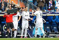 MADRI, ESPANHA, 02 MARÇO 2013 - CAMPEONATO ESPANHOL - REAL MADRID X BARCELONA - Cristiano Ronaldo (E) jogador do Real Madrid durante partida contra o Barcelona  em partida pela 26 rodada do Campeonato Espanhol, no Estadio Santiago Bernabeu em Madri capital da Espanha neste sabado, 02, no Estadio. (FOTO: ALEX CID-FUENTES / ALFAQUI / BRAZIL PHOTO PRESS).