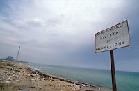 - industrial zone of Priolo, polluted beach in front of the petrochemical plant....- zona industriale di Priolo, spiaggia inquinata davanti allo stabilimento petrolchimico