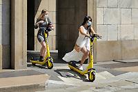 - Milano, giugno 2020, la nuova mobilità urbana dopo il lockdown per l'epidemia di Covid-19<br /> <br /> - Milan, June 2020, the new urban mobility after the lockdown due to the Covid-19 epidemic