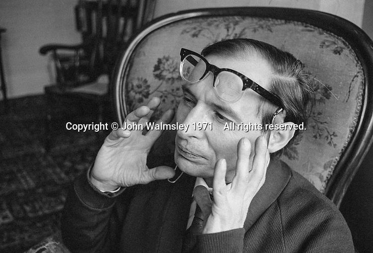 Talfryn Thomas, Welsh character actor, London, 1971.