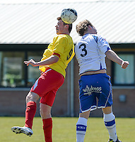 KFC Lichtervelde - KVC Ardooie : kopduel tussen Mathias Vackier (links) en Thibault Tanghe (3)<br /> Foto VDB / Bart Vandenbroucke