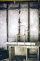 Irak 1991  Salle de tortures au quartier général de la sécurité irakienne à Souleimania  Iraq 1991 In the head quarter of Iraqi security in Suleimania