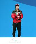 Mollie Jepsen, PyeongChang 2018 - Para Alpine Skiing // Ski para-alpin.<br /> Mollie Jepsen collects her gold medal // Mollie Jepsen remporte sa médaille d'or. 14/03/2018.