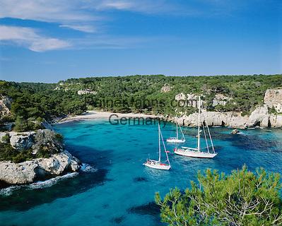 Spain, Balearic Islands, Menorca, Cala Macarella: bay and beach in the south | Spanien, Balearen, Menorca, Cala Macarella: paradiesische Badebucht im Sueden