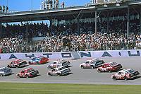 Green flag to start a 125 mile qualifying race for the Daytona 500, Daytona International Speedway, Daytona Beach, Florida, February 12, 1987. (Photo by Brian Cleary/www.bcpix.com)