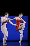 TROISIEME SYMPHONIE DE GUSTAV MAHLER....Choregraphie : NEUMEIER John..Decor : NEUMEIER John..Lumiere : NEUMEIER John..Avec :..LE RICHE Nicolas..BELLET Aurelie..Lieu : Opera Bastille..Ville : Paris..Le : 11 03 2009..© Laurent PAILLIER / photosdedanse.com