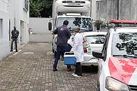 Campinas (SP), 26/01/2021 - Vacinas Fiocruz - Oxford/AstraZeneca - A cidade de Campinas, interior de São Paulo recebeu na manhã desta terça-feira (26) o carregamento com 44,9 mil doses doses da vacina da Fiocruz - Oxford/AstraZeneca produzidas no Instituto Serum, na Índia. Na cidade, ficarão 16.790 doses, já o restante será distribuído para as cidades da região que aguardam a liberação para a retirada do imunizante.