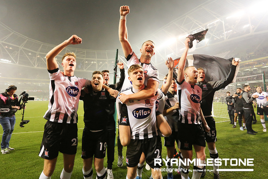 Dundalk players celebrate at the end of the Irish Daily Mail FAI Cup Final between Dundalk and Cork City, on Sunday 4th November 2018, at the Aviva Stadium, Dublin. Mandatory Credit: Michael P Ryan.