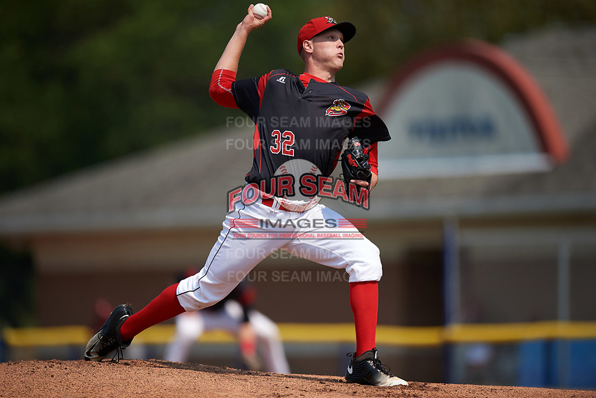Batavia Muckdogs starting pitcher Remey Reed (32) delivers a pitch during the first game of a doubleheader against the Mahoning Valley Scrappers on September 4, 2017 at Dwyer Stadium in Batavia, New York.  Mahoning Valley defeated Batavia 4-3.  (Mike Janes/Four Seam Images)