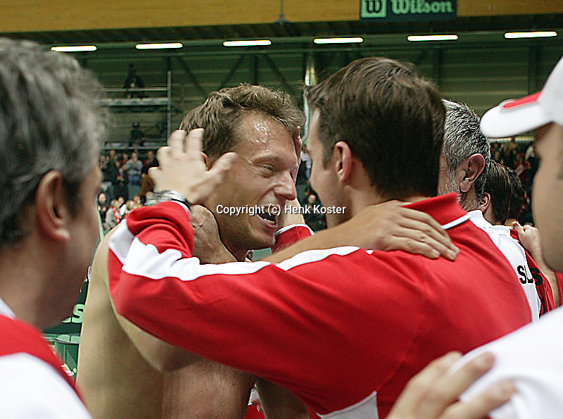 05-03-2005,Swiss,Freibourgh, Davis Cup , Swiss-Netherlands, Allegro celebrating his dubbels victory with teammember
