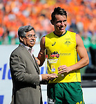 The Hague, Netherlands, June 15: Jeremy Hayward #32 of Australia receives the trophy for the Men´s Best Junior Player of the Tournament during the prize giving ceremony on June 15, 2014 during the World Cup 2014 at Kyocera Stadium in The Hague, Netherlands. (Photo by Dirk Markgraf / www.265-images.com) *** Local caption ***