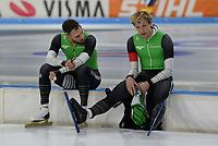 SCHAATSEN: HEERENVEEN: 28-11-2020, IJsstadion Thialf, Daikin NK Sprint, Kjeld Nuis en Ronald Mulder na de foute wissel op de 500 meter, ©foto Martin de Jong