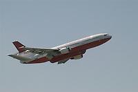 - antifire water bomber 10  DC Air Tanker....- bombardiere ad acqua antincendi DC 10 Air Tanker..