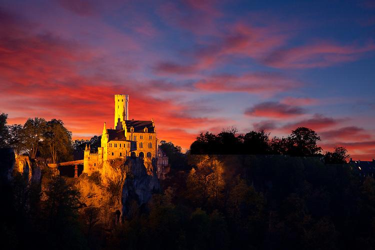 Schloss Lichtenstein<br /> <br /> [Fuer die Nutzung gelten die jeweils gueltigen Allgemeinen Liefer-und Geschaeftsbedingungen. Nutzung nur gegen Verwendungsmeldung und Nachweis. Download der AGB unter http://www.image-box.com oder werden auf Anfrage zugesendet. Freigabe ist vorher erforderlich. Jede Nutzung des Fotos ist honorarpflichtig gemaess derzeit gueltiger MFM Liste - Kontakt, Uwe Schmid-Fotografie, Duisburg, Tel. (+49).2065.677997, ..archiv@image-box.com, www.image-box.com]