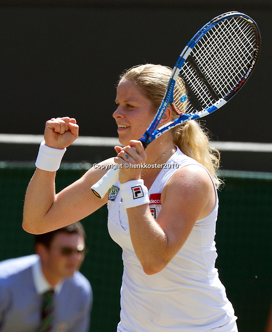 28-06-10, Tennis, England, Wimbledon,  Kim Clijsters  in jubilation, she just beat  Justine Henin