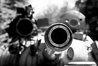 Plitvice / Croazia 1991<br /> La zona del Parco Nazionale di Plitvice, protetta dall'Unesco, venne occupata dalle truppe Federali Jugoslave all'inizio della guerra. Nella fotografia un carro armato dell'esercito federale tra i boschi del Parco. Dopo la fine del conflitto la zona è tornata ad essere meta di migliaia di turisti.<br /> The area of Plitvice National Park, protected by UNESCO, was occupied by Federal troops at the beginning of the Yugoslav war. In the photograph a tank of the federal army in the woods of the park. After the end of the war the area has once again become a destination for thousands of tourists.<br /> Photo Livio Senigalliesi