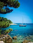 "Kroatien, Istrien, Rovinj: ""Perle Istriens"" Badebucht mit Kiesstrand | Croatia, Istria, Rovinj: ""Perl of Istria"" bay and pebble stone beach"