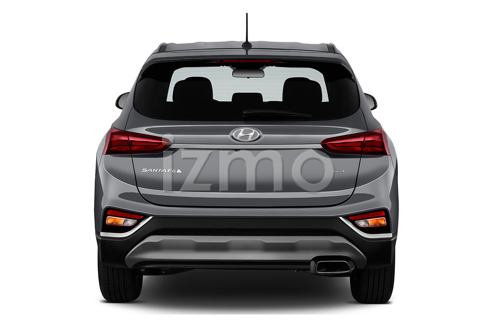 Straight rear view of 2020 Hyundai Santa-FE SE 5 Door SUV Rear View  stock images