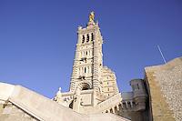 - Marsiglia, la basilica di Notre-Dame de la Garde....- Marseille, the Basilica of Notre-Dame de la Garde
