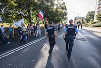 """Nazidemonstration in Frankfurt an der Oder.<br /> Ca. 120 Nazis aus Berlin und Brandenburg zogen am Samstag den 3. September 2016 mit einer Demonstration durch Frankfurt an der Oder. Angekuendigt war der Aufmarsch als grenzuebergreifende Demonstration von deutschen und polnischen Nazis gegen Islam und Fluechtlinge, es nahmen jedoch nur zwei Personen aus Polen teil.<br /> In Redebeitraegen und Parolen wurde gegen die """"Kriminalitaet aus Osteuropa"""" gehetzt und behauptet es faende eine """"gewollte Uberfremdung der deutschen Heimat durch Fluechtlinge"""" statt.<br /> Angefuehrt wurde die Demonstration von der Oderbruecke zum Bahnhof von der rechtsextremen Kleinstpartei """"Der 3. Weg"""". Des Weiteren nahmen Mitglieder von """"unabhaengigen Buergerinitiativen"""" gegen Fluechtlinge, der NPD, sog. Freien Kameradschaften und Mitgliedern der rechtsextremen Gruppe """"Die Identitaeren"""" teil.<br /> Einige Personen einer Gegendemonstration versuchten mit Sitzblockaden die rechtsextreme Demonstration zu verhindern, die Polizei fuehrte die Nazis jedoch an den Blockierern vorbei. Vereinzelt wurden Personen, die versuchten die Demonstrationsroute zu blockieren, von der Polizei mit Tritten und Schlagstockeinsatz von der Strasse vertrieben.<br /> Der rechtsextreme Aufmarsch wurde auch von polnischer Polizei begleitet.<br /> 3.9.2016, Frankfurt an der Oder<br /> Copyright: Christian-Ditsch.de<br /> [Inhaltsveraendernde Manipulation des Fotos nur nach ausdruecklicher Genehmigung des Fotografen. Vereinbarungen ueber Abtretung von Persoenlichkeitsrechten/Model Release der abgebildeten Person/Personen liegen nicht vor. NO MODEL RELEASE! Nur fuer Redaktionelle Zwecke. Don't publish without copyright Christian-Ditsch.de, Veroeffentlichung nur mit Fotografennennung, sowie gegen Honorar, MwSt. und Beleg. Konto: I N G - D i B a, IBAN DE58500105175400192269, BIC INGDDEFFXXX, Kontakt: post@christian-ditsch.de<br /> Bei der Bearbeitung der Dateiinformationen darf die Urheberkennzeichnung in den EXIF- und  IPTC-Date"""