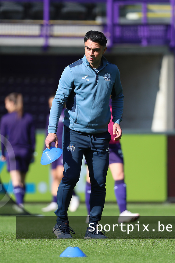 Head coach Johan Walem of Anderlecht pictured during the warm up before a female soccer game between RSC Anderlecht Dames and Standard Femina de Liege on the sixth matchday of the 2021 - 2022 season of Belgian Womens Super League , Saturday 9 th of October 2021  in Brussels , Belgium . PHOTO SPORTPIX | SEVIL OKTEM