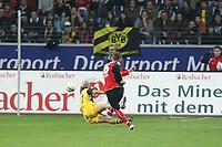 Michael Fink (Eintracht) gegen Dede (BVB)<br /> Eintracht Frankfurt vs. Borussia Dortmund, Commerzbank Arena<br /> *** Local Caption *** Foto ist honorarpflichtig! zzgl. gesetzl. MwSt. Auf Anfrage in hoeherer Qualitaet/Aufloesung. Belegexemplar an: Marc Schueler, Am Ziegelfalltor 4, 64625 Bensheim, Tel. +49 (0) 6251 86 96 134, www.gameday-mediaservices.de. Email: marc.schueler@gameday-mediaservices.de, Bankverbindung: Volksbank Bergstrasse, Kto.: 151297, BLZ: 50960101