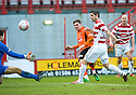 ::  DUNDEE UTD'S DAVID GOODWILLIE'S SHOOTS BUT IT'S SAVED BY HAMILTON'S TOMAS CERNY ::