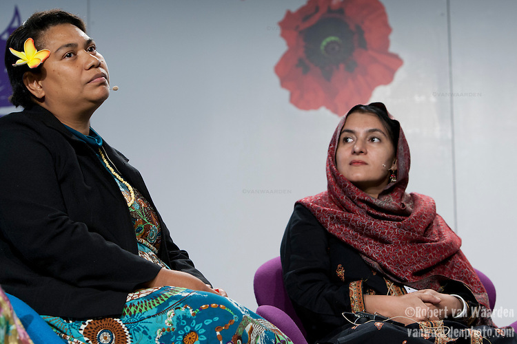 Ulamila Kurai Wragg (l) and Rehana Bibi Khilji at a panel on Women's Leadership on Climate Justice - A Global Perspective. December 14, 2009.  (Images free for Editorial Web usage for Fresh Air Participants during COP 15. Credit: Robert vanWaarden)