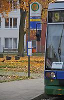 Geplante Einstellung der Starßenbahn Linie 9 der LVB in Richtung Markkleeberg - Station Wildpark , Forsthaus Raschwitz und folgende werden demnach nicht mehr angefahren . FEATURE an der Endstelle / Wendestelle in Markkleeberg. Foto: Norman Rembarz<br /> <br /> Norman Rembarz , ( ASV-Autorennummer 41043728 ), Holbeinstr. 14, 04229 Leipzig, Tel.: 01794887569, Hypovereinsbank: BLZ: 86020086, KN: 357889472, St.Nr.: 231/261/06432 - Jegliche kommerzielle Nutzung ist honorar- und mehrwertsteuerpflichtig! Persönlichkeitsrechte sind zu wahren. Es wird keine Haftung übernommen bei Verletzung von Rechten Dritter. Autoren-Nennung gem. §13 UrhGes. wird verlangt. Weitergabe an Dritte nur nach  vorheriger Absprache.