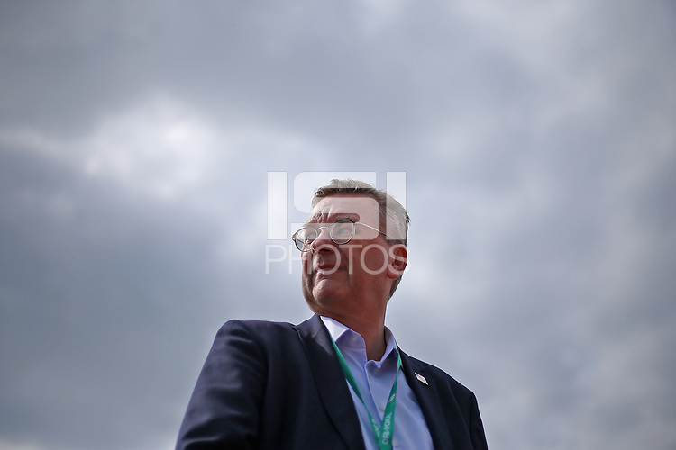18.08.2018, Football DFB Pokal 2018/2019, 1. round, SV Drochtersen Assel - FC Bayern Muenchen, Kehdinger stadium Drochtersen. president Reinhard Grindel (Germany)<br /><br /><br />***DFB rules prohibit use in MMS Services via handheld devices until two hours after a match and any usage on internet or online media simulating video foodaye during the match.*** *** Local Caption *** © pixathlon<br /> <br /> Contact: +49-40-22 63 02 60 , info@pixathlon.de