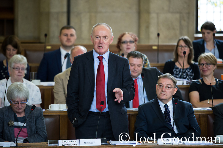 © Joel Goodman - 07973 332324 . 13/07/2016. Manchester , UK . SIR RICHARD LEESE speaks . Proceedings at a Manchester City Council meeting , at the Town Hall in Manchester . Photo credit : Joel Goodman
