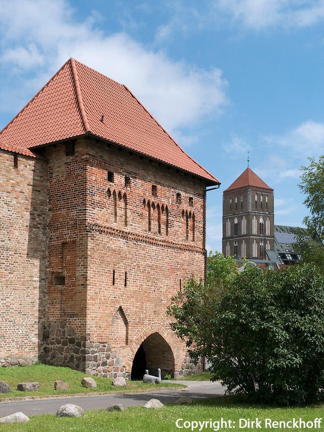 Kuhtor und Nikolaikirche in Rostock, Mecklenburg-Vorpommern, Deutschland