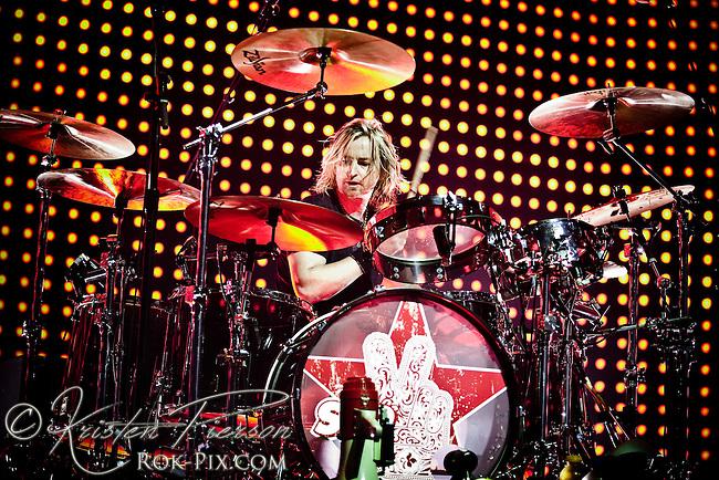 Stone Temple Pilots perform at Mohegan Sun Arena in Uncasville, CT, August 31, 2010