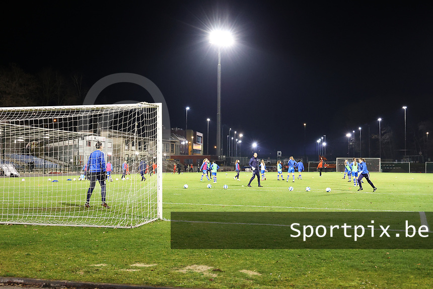 AA Gent players warming up before a female soccer game between FC Femina White Star Woluwe and AA Gent Ladies on the 13 th matchday of the 2020 - 2021 season of Belgian Scooore Womens Super League , friday 5 th of February 2021  in Woluwe , Belgium . PHOTO SPORTPIX.BE | SPP | SEVIL OKTEM