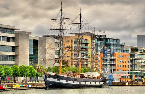 As the port has gradually moved downriver, its nautical character has been retained with the 19th century sailing ship Jeannie Johnson berthed in the Liffey beside new office developments.