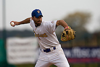 12 Oct 2008: Evan Blesoff pitches against Rouen during game 2 of the french championship finals between Templiers (Senart) and Huskies (Rouen) in Chartres, France. The Huskies win 7-4 over the Templiers.