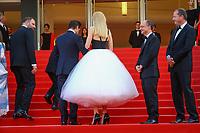 Yorgos Lanthimos, Sunny Suljic, Colin Farrell et Nicole Kidman sur le tapis rouge pour la projection du film MISE A MORT DU CERF SACRE lors du soixante-dixième (70ème) Festival du Film à Cannes, Palais des Festivals et des Congres, Cannes, Sud de la France, lundi 22 mai 2017. Philippe FARJON / VISUAL Press Agency