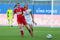 Aster Janssens (5) of Standard and Lenie Onzia (8) of OHL in action during a female soccer game between Oud Heverlee Leuven and Standard Femina de Liege on the third matchday of the 2021 - 2022 season of Belgian Womens Super League , Sunday 5 th of September 2021  in Leuven , Belgium . PHOTO SPORTPIX.BE | SEVIL OKTEM