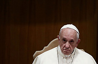 Papa Francesco tiene un'Udienza ai Participanti all'Assemblea Generale della Pontifical Academia per la Vita nella'aulanuova del Sinodo in Vatican. 5 ottobre 2017.<br />