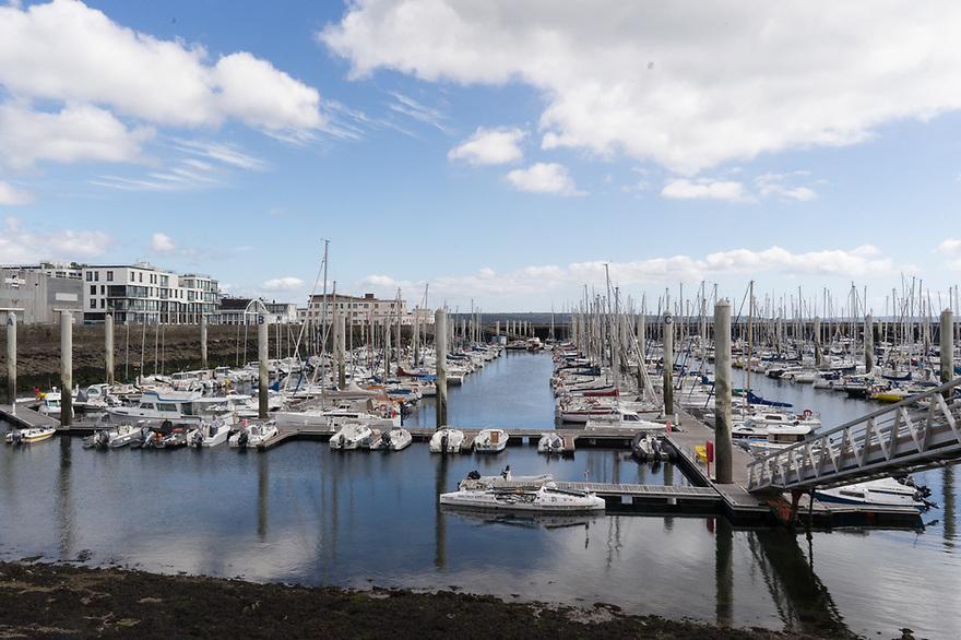 Brest - Bretagna, 23 agosto 2020. Il porto turistico in bassa marea.