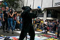 BOGOTA - COLOMBIA, 10-02-2019: Se llevó a cabo la primera jornada de marchas antitaurinas en el centro de la ciudad./It carried out the first antitaurine march in the city center  . Photo: VizzorImage / Nicolas Aleman / Cont