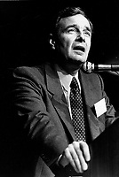 October 22, 1987 -  Paul Martin speak at the News Conference after the succes of the negociation of  the CanadañUnited States Free Trade Agreement