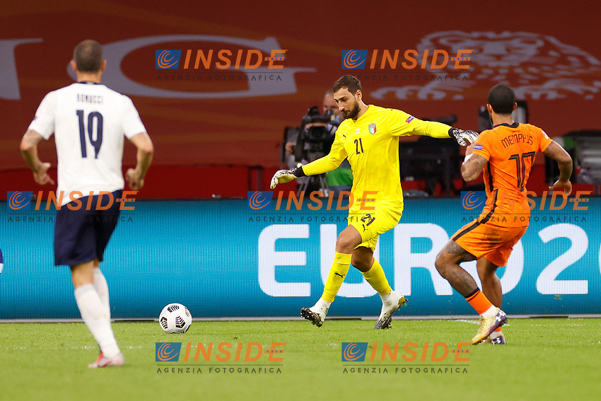 AMSTERDAM, 07-09-2020, JohanCruyff Stadium, season 2020 / 2021 . Nations Leaque game between Netherlands and Italy. Italian goalkeeper Gianluigi Donnarumma and Netherlands player Memphis Depay<br /> Amsterdam 07-09-2020 <br /> Football Calcio Uefa Nations League <br /> Olanda - Italia / Netherlands - Italy <br /> Photo Stanley Gontha / Pro Shots / Insidefoto <br /> ITALY ONLY
