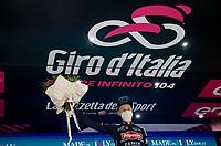 Tim Merlier (BEL/Alpecin-Fenix) wins the first bunch sprint of the 2021 Giro<br /> <br /> 104th Giro d'Italia 2021 (2.UWT)<br /> Stage 2 from Stupinigi to Novara (179km)<br /> <br /> ©kramon