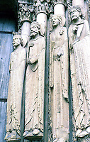 Chartres: Chartres Cathedral---Figures in Embrasures of Central Portal. Photo '87.