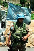 TIBNINE / LIBANO.SOLDATO DEL CONTINGENTE ITALIANO UNIFIL.FOTO LIVIO SENIGALLIESI..TIBNINE / SOUTH LEBANON - 2007.ITALIAN SOLDIER OF CONTINGENT UNIFIL..PHOTO LIVIO SENIGALLIESI