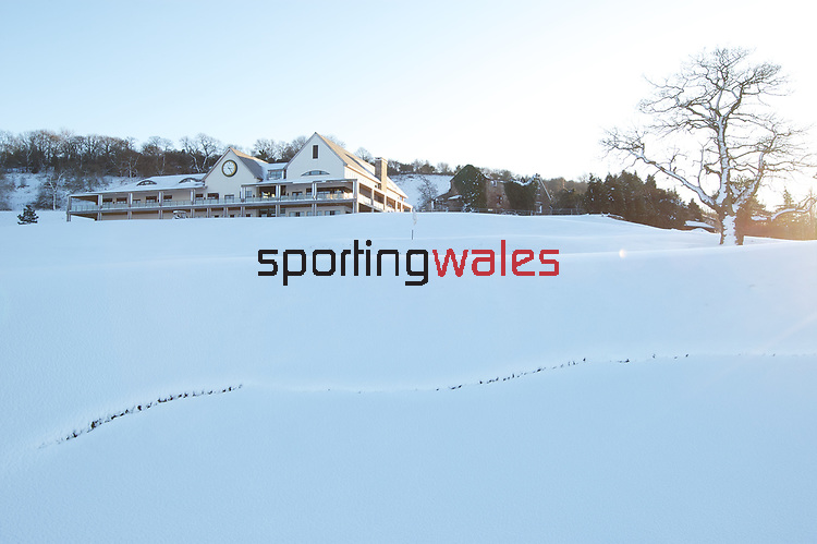 Snow Covered 2010 Ryder Cup Course.<br /> 07.01.10<br /> ©Steve Pope<br /> Sportingwales<br /> The Manor <br /> Coldra Woods<br /> Newport<br /> South Wales<br /> NP18 1HQ<br /> 07798 830089<br /> 01633 410450<br /> steve@sportingwales.com<br /> www.fotowales.com<br /> www.sportingwales.com<br /> ©Steve Pope<br /> Sportingwales<br /> The Manor <br /> Coldra Woods<br /> Newport<br /> South Wales<br /> NP18 1HQ<br /> 07798 830089<br /> 01633 410450<br /> steve@sportingwales.com<br /> www.fotowales.com<br /> www.sportingwales.com